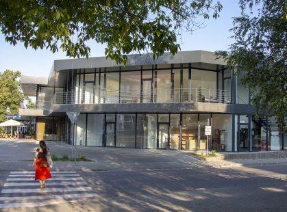 Polyfunkčný objekt Centro Prievidza okná a dvere Slovaktual